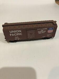 C2) HO Union Pacific Box Car UP 108771 Ship Travel