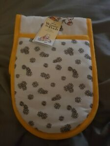 Oven gloves Disney Winnie The Pooh Double Oven Glove Thick & Tough Brand New