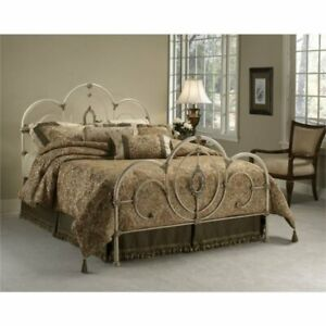 Bowery Hill Queen Spindle Bed in Antique White