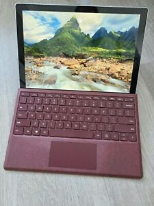 Microsoft Surface Pro (5) 12.3'' (256 GB Intel Core i5 8 GB) BUNDLE KEYBOARD PEN