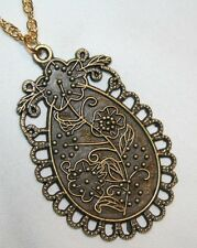 Charming Picot Rimmed Etched Floral Oval Pendant Necklace  +++++