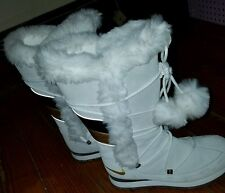 Women's Nike Suede Winter Boots with Fur and Poms (Size 7.5) Nice and Clean