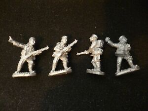 Renegade Miniatures 28mm WWIB15 4 Infantry new
