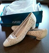 Easy Street Chloe  Shoes 10N,bone, NEW IN BOX