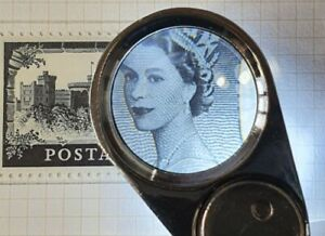 A Quality 40x illuminated magnifying glass with a large 25mm optical glass lens