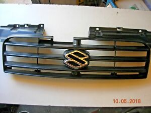 Suzuki ignis,   Front grill with badge,   BREAKING IGNIS 2001