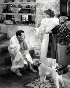 """CARY GRANT & KATHARINE HEPBURN """"BRINGING UP BABY"""" - 8X10 PUBLICITY PHOTO (AZ229)"""