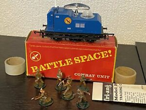 TRIANG HORNBY R567 BATTLESPACE RADAR TRACKING CAR & SOLDIERS  VERY RARE