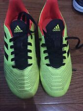 addidas soccer shoes For Boys . Size 31/2 Used With No Return Available.