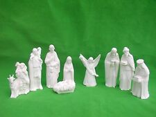 16  PC   NATIVITY  SET ... CERAMIC BISQUE READY TO  PAINT  AWESOME!!!