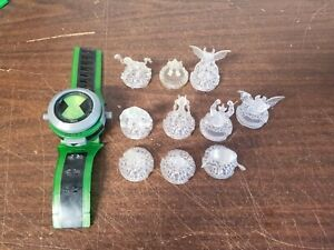 Ben 10 Alien Force Ultimate Omnitrix with 10 Crystal Aliens