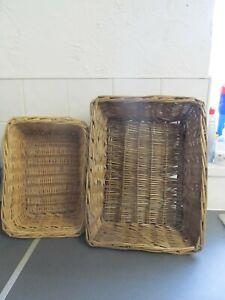 2 x Beautiful Vintage Wicker Baskets Good Condition