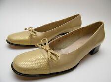 WOMENS SALVATORE FERRAGAMO GOLDEN YELLOW CAPTOE BOW PUMPS SHOES SZ 6.5~1/2 AAAA