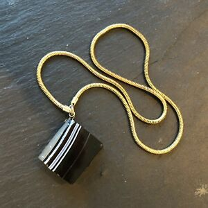 Vintage Banded Agate Pendant on Fine Yellow Metal Chain