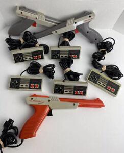 Nintendo Lot NES-004 NES-005 3 Guns Orange Grey 5 Controllers NES Video Game Lot