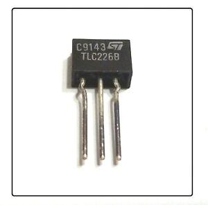 TLC226B TLC226 TRIAC THYRISTOR 400V 3A TO-221 STMicroelectronics