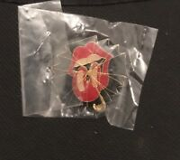 MICK JAGGER ROLLING STONES LIPS PIN BADGE