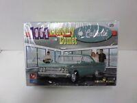AMT/ERTL Model King 1964 Comet with Sox + Martin Decals- 1/25 Plastic car Model