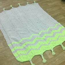 Plantation Knit One Purl One Rugs In Fluorescent Green, Blanket Style 120x170cm