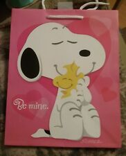 "PEANUTS SNOOPY VALENTINE'S DAY GIFT BAG.9 1/2"" X 8"" X 4 1/2"" New Hallmark"