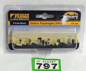 G797 Bachmann Farish Scenecraft 379-305 Station Passengers Sitting figures N