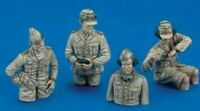 1/35 Resin Figures WWII German Panzer Tank Crew (4 High Quality 1:35 figures)