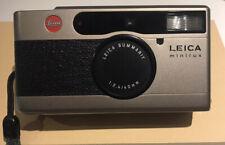 Leica Minilux 35mm Film Camera con Summarit 40mm f/2.4 con custodia morbida e cinghia