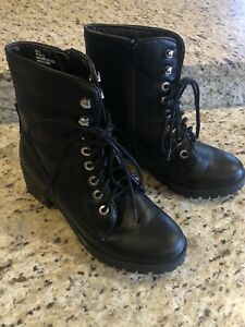Women's Union Bay Black Lace Up Boot Sid Zip Chunky Heel Size 8 Excellent Cond