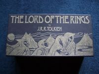 BOX SET OF THE LORD OF THE RINGS AUDIO TAPES / CASSETTES. J R R TOLKIEN 1980'S.