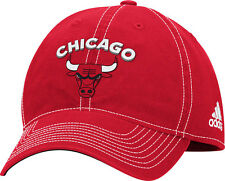 Para Mujer Chicago Bulls Equipo Insignia Slouch Ajustable Hat Nba Adidas  Oficial de la PAC d807b7e1528