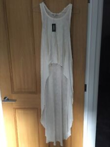 LADIES CREAM LIGHTWEIGHT LONG BACK VEST TOP BY EXPRESS SIZE XS