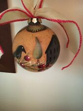 """CHRISTMAS ORNAMENT BALL COUNTRY PRIMITIVE FOLK ART Cottage Tree Crow Berries 4""""d"""