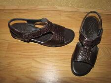 SAS 'Suntimer' Brown Patent Croc Embossed Sandals - 7.5M European  38  EUC