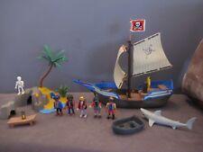 BATEAU PIRATE Playmobil 5140 -5 PERSONNAGES - Soldat/Pirate/requin/ile/squelette