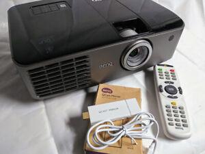 BenQ MX764 XGA DLP - Bright 4200 Lumens w/ Qcast HDMI dongle + remote bundle