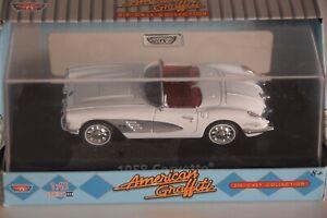 MOTOR MAX AMERICAN GRAFFITY CHEVROLET CORVETTE 1958 CABRIO WHITE MIB 1:43