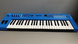 YAMAHA MX49 V2 BLUE