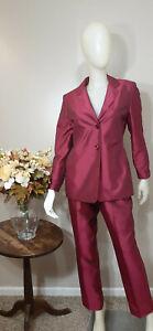 LARRY LEVINE PETITE Raspberry Shiny Texture 2-Piece Pant Suit-Size 8P