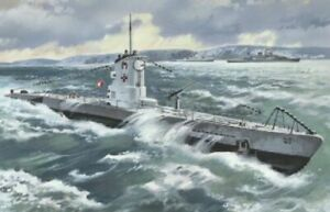 ICM S009 Submarine type IIB German, 1/144 scale model kit plastic, (1939)