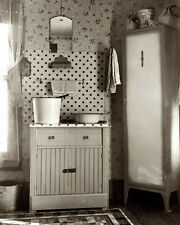DEPRESSION ERA WASH STAND 8X10 PHOTO RUSSELL LEE 1936