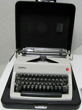 Vtg 1969 Olympia DeLuxe Port. Manual Typewriter Near Mint W/Case/Cleaning Kit
