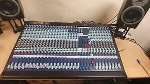 Midas Venice 320 32-Channel Mixer with Flight Case