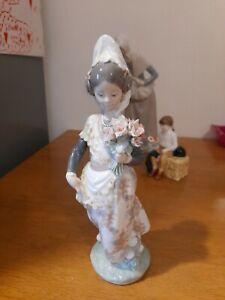 Rare Lladro Girl Holding Flower's