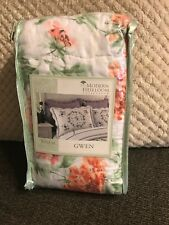 Phi Heirloom Collection Gwen Standard Pillow Sham 20�x26� Multi