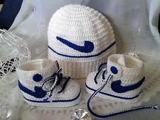 Babyset★2-teilig★ gehäkelt ★ Taufe ★ Sneakers+Mütze ★ weiß/blau★  NEU