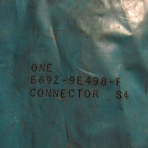 NOS 1986 FORD AEROSTAR ENGINE EMISSIONS VACUUM CONTROL CONNECTOR E69Z-9E498-A