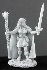 Reaper Miniatures 02930: Isedil, Elf Sorceress