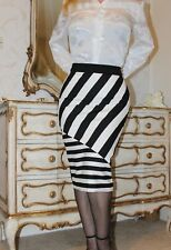 River Island Black & White stripy pencil skirt Full Back Zip Opening size 10 New