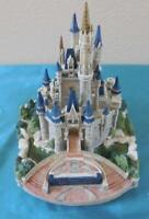 Disney Lilliput Lane Cinderella castle Magic Kingdom Ltd Ed statue