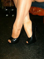 Botas de mujer de color principal negro de charol